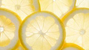 柠檬不能和什么一起吃